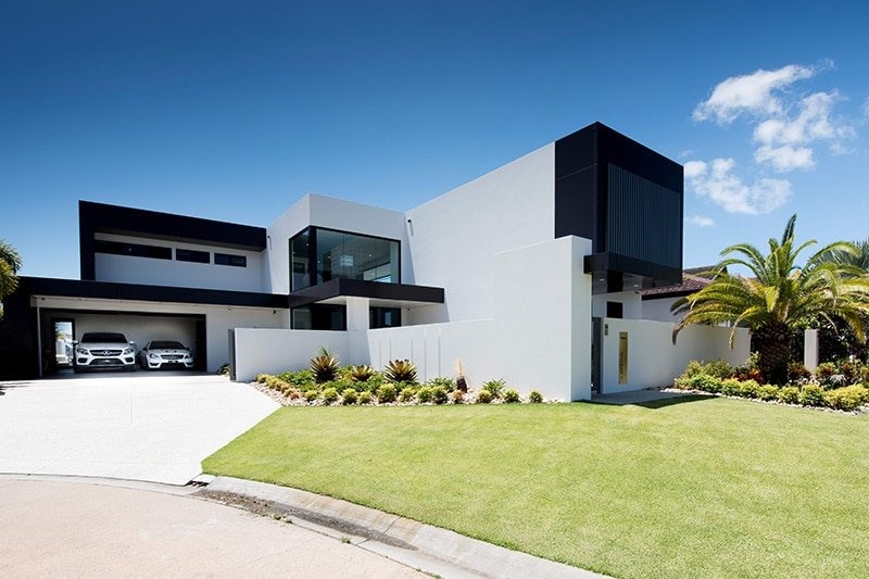Home 3 – Bribie Contemporary Front